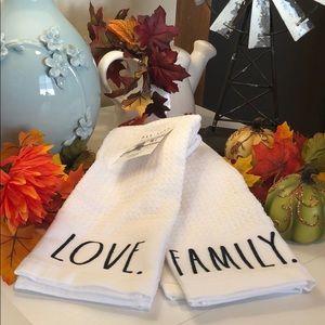 🆕 Rae Dunn FAMILY. & LOVE. Set of 2 Dish Towels